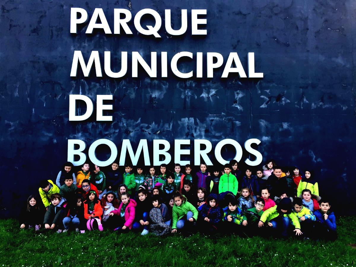 2º Ed. Primaria en el Parque de Bomberos.